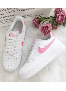 NIKE AIR FORCE 1 LOVE FOR ALL 白粉