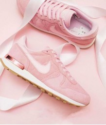 Nike Internationalist SD 櫻花粉